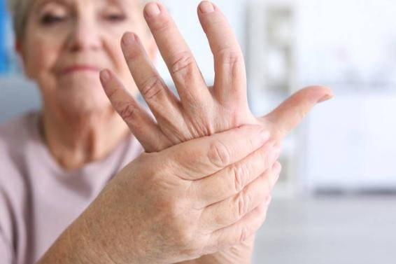 por-que-la-artriris-afecta-mas-a-las-mujeres imágen de artículo