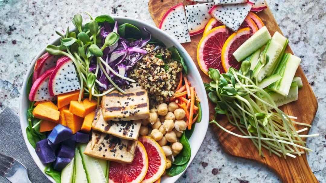 por-que-los-veganos-y-vegetarianos-son-mas-propensos-a-sufrir-fracturas imágen de artículo